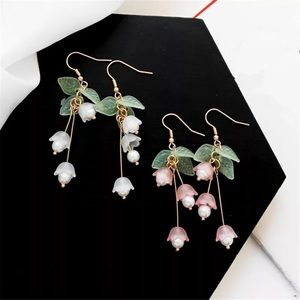 Jewelry - 🆕 Pink or White Lily of the Valley Earrings